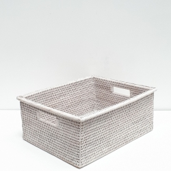 White rectangular basket with wide edges M