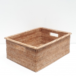 Natural rectangular basket with wide edges M