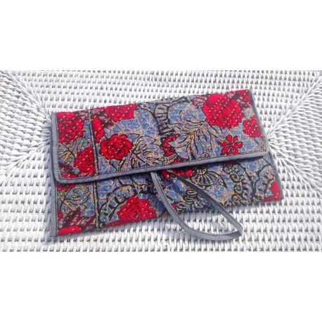 Pochette en Batik  avec cordon